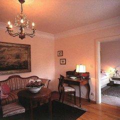 Hotel Aquila Nera - Schwarzer Adler Випитено комната для гостей фото 5