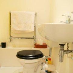 Отель 1 Bedroom Hidden Gem in Islington Лондон ванная фото 2