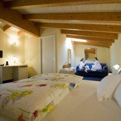 Hotel Borgo dei Poeti Wellness Resort Манерба-дель-Гарда комната для гостей