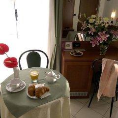 Hotel Dore в номере