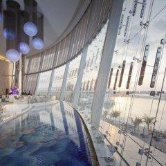 Jumeirah at Etihad Towers Hotel бассейн