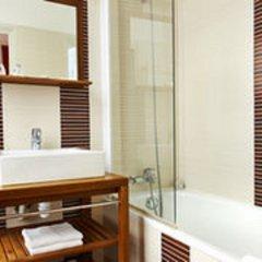 Отель Hôtel Jeanne d'Arc Le Marais Франция, Париж - отзывы, цены и фото номеров - забронировать отель Hôtel Jeanne d'Arc Le Marais онлайн ванная