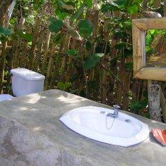 Отель Great Huts Ямайка, Порт Антонио - отзывы, цены и фото номеров - забронировать отель Great Huts онлайн ванная фото 2