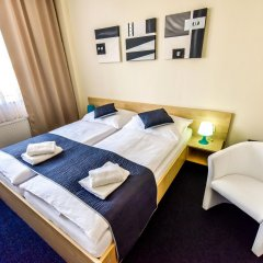 City Hotel Brno Брно сейф в номере