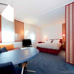 Отель Suite Novotel Nice Aeroport Ницца комната для гостей