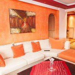 Апартаменты Bohemian Beauty In Neos Kosmos With Amazing Acropolis View комната для гостей фото 3