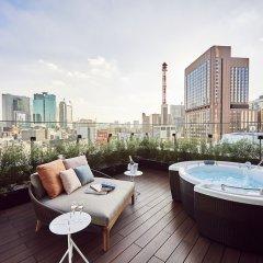 Отель THE GATE HOTEL TOKYO by HULIC Япония, Токио - отзывы, цены и фото номеров - забронировать отель THE GATE HOTEL TOKYO by HULIC онлайн бассейн
