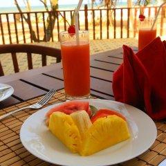 Отель Whispering Palms Hotel Шри-Ланка, Бентота - отзывы, цены и фото номеров - забронировать отель Whispering Palms Hotel онлайн питание