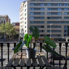 Отель AB Paral·lel Spacious Apartments Испания, Барселона - отзывы, цены и фото номеров - забронировать отель AB Paral·lel Spacious Apartments онлайн балкон