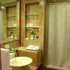 Noor-Us-Sabah Palace in Bhopal, India from 130$, photos, reviews - zenhotels.com bathroom