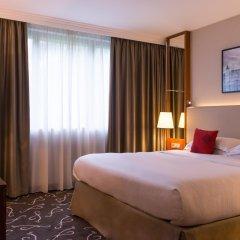 Отель Crowne Plaza Paris - Neuilly комната для гостей