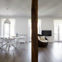 Апартаменты BaiHouse Apartment by FeelFree Rentals комната для гостей фото 5