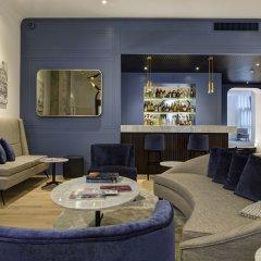 Отель GKK Exclusive Private Suites гостиничный бар