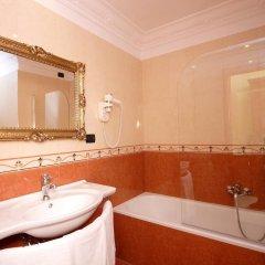 Отель Caroline Suite Италия, Рим - отзывы, цены и фото номеров - забронировать отель Caroline Suite онлайн ванная
