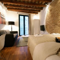 Отель Ssg Borne Down Town Studios Барселона комната для гостей фото 6