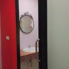 Отель Studio Asoke Таиланд, Бангкок - отзывы, цены и фото номеров - забронировать отель Studio Asoke онлайн ванная фото 2