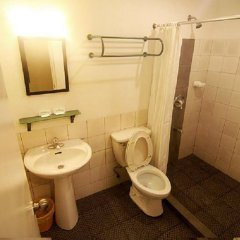 Отель Cebu R Hotel - Capitol Филиппины, Лапу-Лапу - отзывы, цены и фото номеров - забронировать отель Cebu R Hotel - Capitol онлайн ванная фото 2