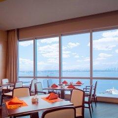 Отель DoubleTree by Hilton Hotel Xiamen - Wuyuan Bay Китай, Сямынь - отзывы, цены и фото номеров - забронировать отель DoubleTree by Hilton Hotel Xiamen - Wuyuan Bay онлайн питание фото 3
