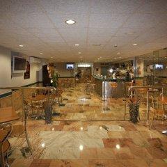 Отель City House Alisas Santander Сантандер гостиничный бар