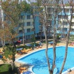 Отель Yassen Болгария, Солнечный берег - отзывы, цены и фото номеров - забронировать отель Yassen онлайн бассейн фото 2