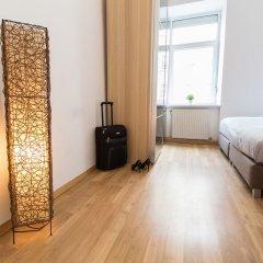 Отель CheckVienna – Enenkelstrasse сейф в номере