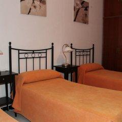 Отель Pension Catedral комната для гостей фото 5