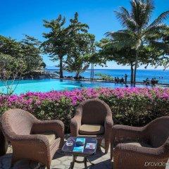Отель Tahiti Pearl Beach Resort Французская Полинезия, Аруе - отзывы, цены и фото номеров - забронировать отель Tahiti Pearl Beach Resort онлайн бассейн