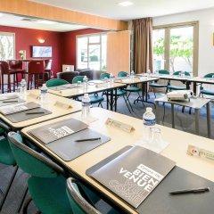Отель Campanile Toulouse Sesquieres Франция, Тулуза - 1 отзыв об отеле, цены и фото номеров - забронировать отель Campanile Toulouse Sesquieres онлайн помещение для мероприятий