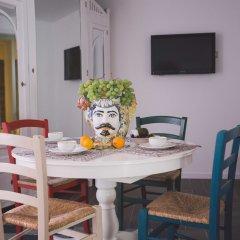 Отель Ortigia Sweet Home Италия, Сиракуза - отзывы, цены и фото номеров - забронировать отель Ortigia Sweet Home онлайн питание фото 2