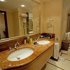 IC Hotels Airport Турция, Анталья - 12 отзывов об отеле, цены и фото номеров - забронировать отель IC Hotels Airport онлайн ванная