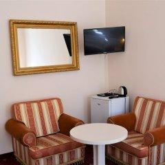 Отель Palacky Чехия, Карловы Вары - 1 отзыв об отеле, цены и фото номеров - забронировать отель Palacky онлайн удобства в номере фото 2