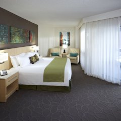 Отель Delta Hotels by Marriott Montreal комната для гостей фото 4