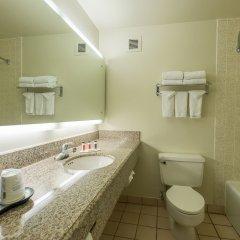 Howard Johnson Inn Fullerton Hotel and Conference Center ванная
