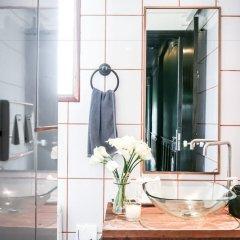 Отель L'atelier Poshtel Phuket - Hostel Таиланд, Пхукет - отзывы, цены и фото номеров - забронировать отель L'atelier Poshtel Phuket - Hostel онлайн ванная