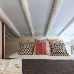 Отель Apartamentos Casa Malasaña Испания, Мадрид - отзывы, цены и фото номеров - забронировать отель Apartamentos Casa Malasaña онлайн комната для гостей фото 4