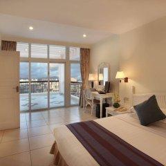 Sanya Golden Phoenix Sea View Hotel комната для гостей фото 5