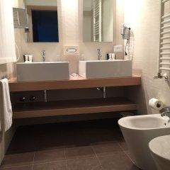 Отель Card International Италия, Римини - 13 отзывов об отеле, цены и фото номеров - забронировать отель Card International онлайн ванная фото 2