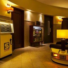 Отель Pão de Açúcar – Vintage Bumper Car Hotel Португалия, Порту - 1 отзыв об отеле, цены и фото номеров - забронировать отель Pão de Açúcar – Vintage Bumper Car Hotel онлайн банкомат