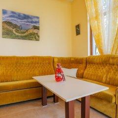 Апартаменты 1 Bedroom Apartment in Dafinka Guest House Равда комната для гостей
