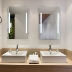 Отель NH Ciudad Real Испания, Сьюдад-Реаль - отзывы, цены и фото номеров - забронировать отель NH Ciudad Real онлайн ванная фото 2