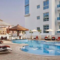 Отель Hyatt Place Dubai Al Rigga Residences бассейн фото 3