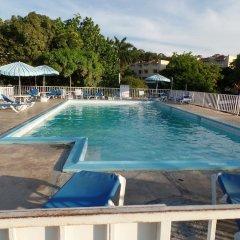 Отель Seagull Beach Studio At Montego Bay Club Resort Ямайка, Монтего-Бей - отзывы, цены и фото номеров - забронировать отель Seagull Beach Studio At Montego Bay Club Resort онлайн бассейн