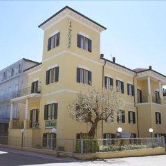 Hotel La Torre Римини вид на фасад
