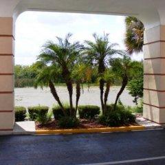 Отель Baymont Inn & Suites Orlando - Universal Studios парковка