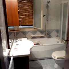 Апартаменты Apartment With 3 Bedrooms in Floridia, With Furnished Terrace - 10 km Флорида ванная