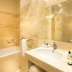Отель Elysées Union Франция, Париж - 8 отзывов об отеле, цены и фото номеров - забронировать отель Elysées Union онлайн ванная