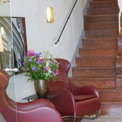 Отель Altstadthotel Wolf Зальцбург интерьер отеля фото 3