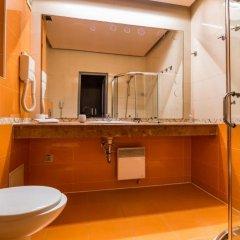 Отель Бизнес Отель Пловдив Болгария, Пловдив - отзывы, цены и фото номеров - забронировать отель Бизнес Отель Пловдив онлайн ванная фото 2