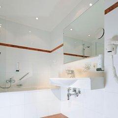 Отель Gasthof Neue Post Австрия, Хохгургль - отзывы, цены и фото номеров - забронировать отель Gasthof Neue Post онлайн ванная фото 3