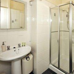 Отель Wayfarer Guest House ванная
